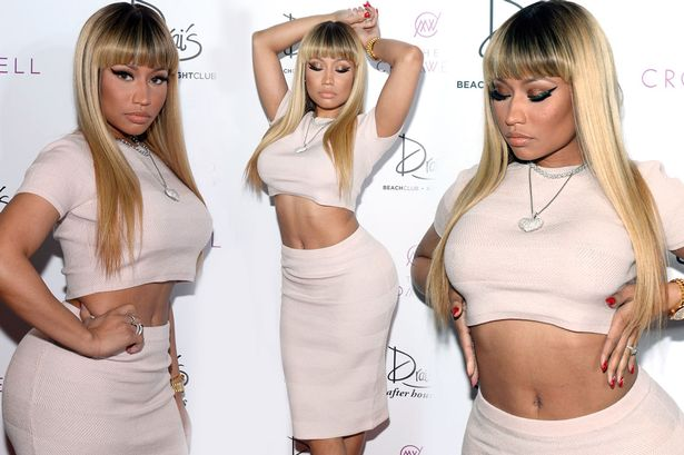 nicki-minaj-squeezes-her-famous-curves-into-a-skintight-crop-top-and-skirt-in-las-vegas-1